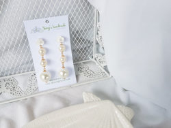 2112. Pearl love earrings - Yeongs Handmade